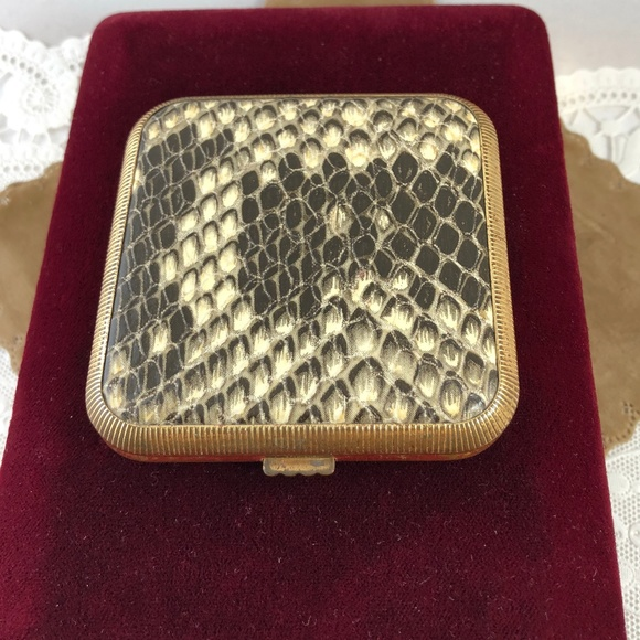 Vintage LEATHER SNAKESKIN STYLE Powder Compact